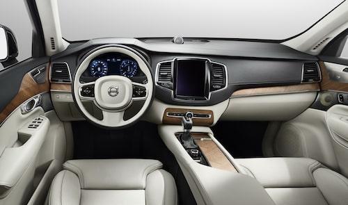 Interiören i nya XC90 är helt ny och anpassad för dagens uppkopplade samhälle.