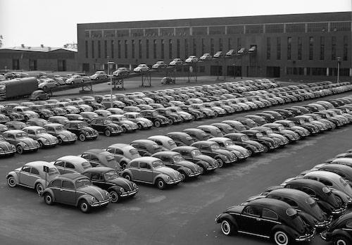 Volkswagen Beetle klara för leverans 1955.