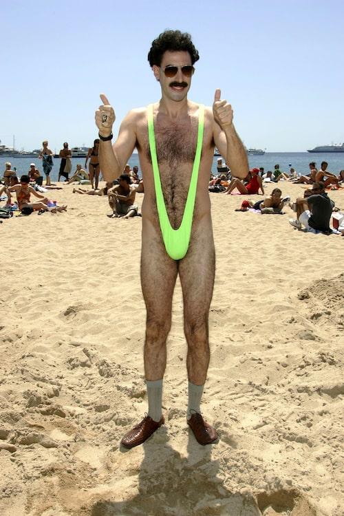Sacha Baron Cohen gör Cannesi mankini.