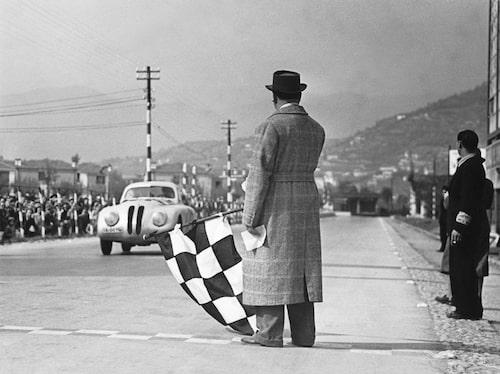 Målgången i Brescia 28 april, 1940.