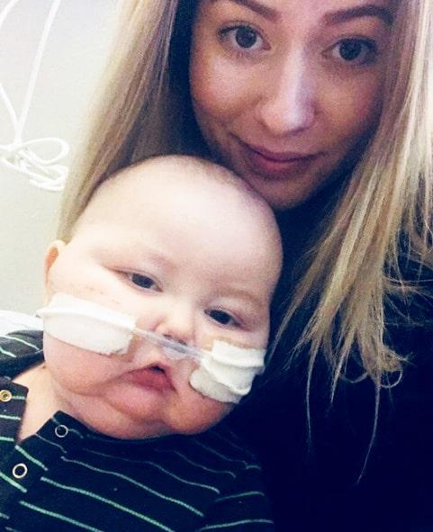 I februari hade Walter fått lunginflammation efter sin behandling och hade svårt att syresätta sig själv. Han behövde en så kallad näsgrimma som hjälpte honom.