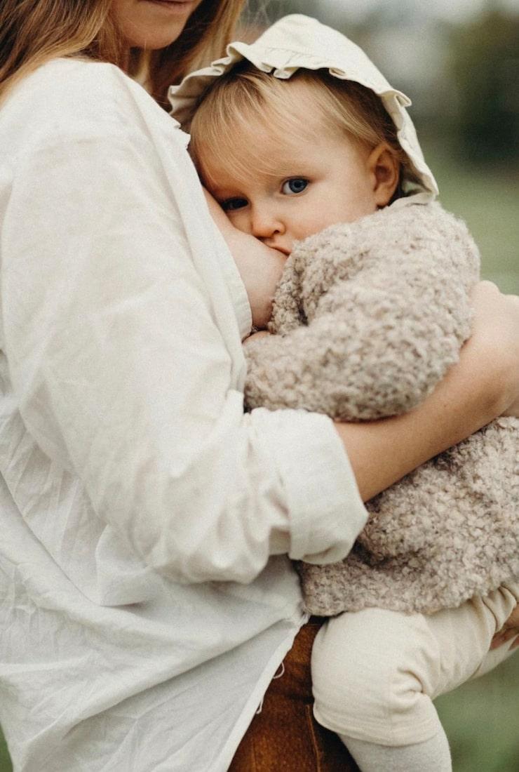 mamas trendredaktör Caroline Borg, 31, med dottern Lykke, då 11 månader.