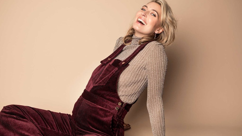 Skådespelaren Cissi Forss väntar sitt första barn med pojkvännen Fredrik von der Esch.