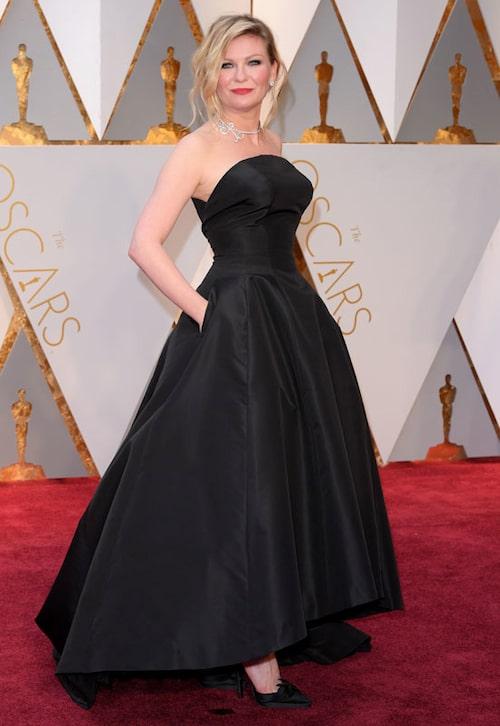 Kirsten Dunst i svart från Dior Haute Couture.
