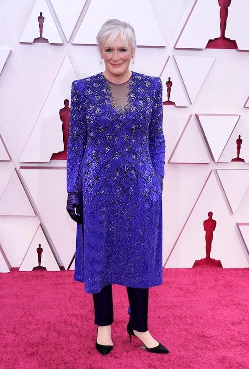Glenn Close i blå klänning på Oscarsgalan 2021.