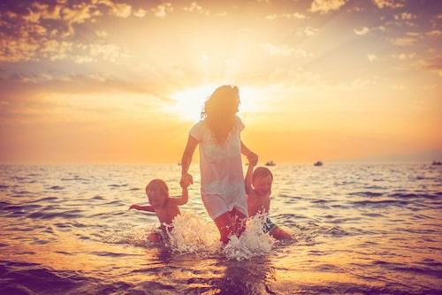 Njut av tiden tillsammans, men känn inte dåligt samvete när barnen är med sin andra förälder.