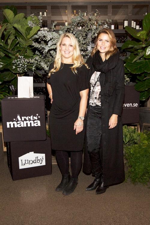 Tv4:s Anna Brolin tillsammans med designern Valerie Aflalo.