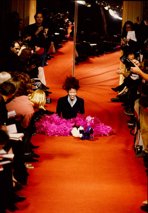 Det ikoniska fallet när Naomi Campbell ramlade på catwalken 1993.