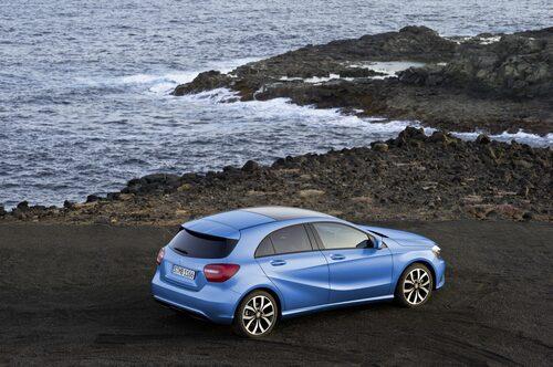 Mercedes har byggt en helt ny A-klass som är betydligt lägre och som har klart mer maskulin design än föregångaren.