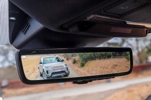 Clear Sight-bakspegel ger en bra överblick om vad som sker bakom dig.
