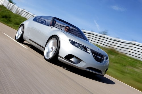 Fronten har vi sett förr. 9-X Air är i grunden en 9-X Biohybrid utan tak och visar hur Saabs nya småbil kommer att se ut.