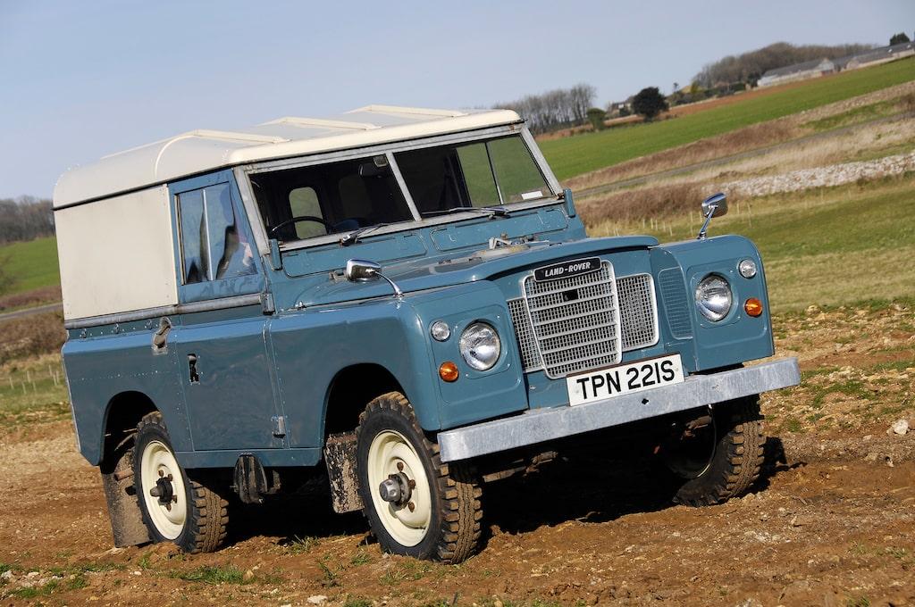Land Rover serie III med hardtop.