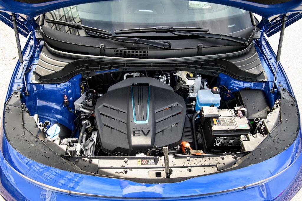 Kia Soul, utan inledande e, finns med förbränningsmotor i andra delar av världen. Slöseri på utrymme i en elbil.