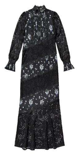 Klänning med spets, 2 999 kronor.