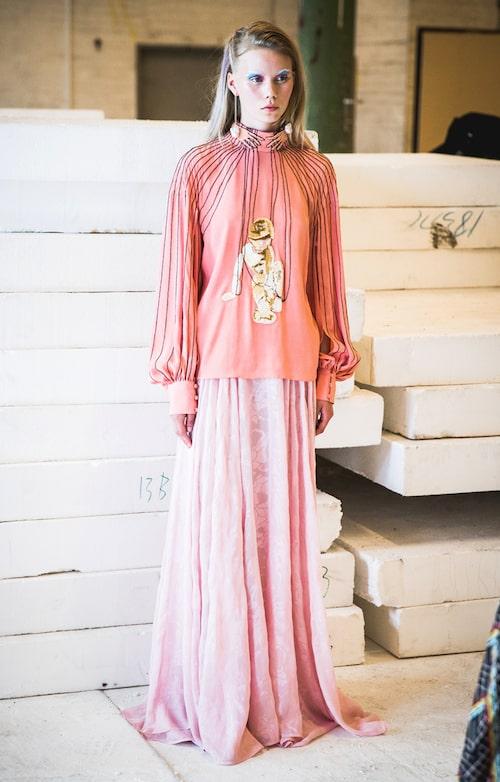 Stine Goyas färgstarka och feminint fantasifulla plagg står på redaktionens önskelista säsong efter säsong.