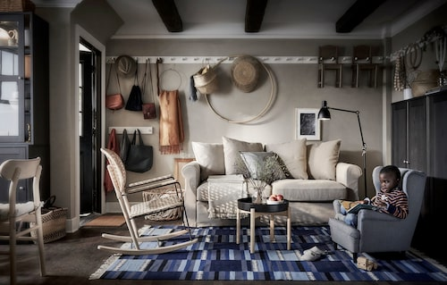 Smart förvaring på små ytor – hemma hos den lilla, växande familjen mitt i city kan det behövas.