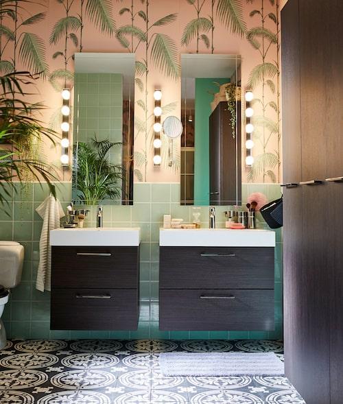 Dubbla tvättställ behöver inte se likadana ut – anpassa designval efter behov och låt kontraster skapa spännande visuella uttryck.