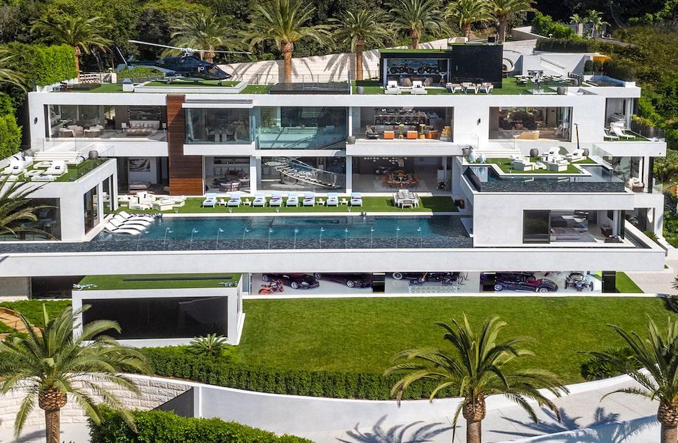 Om du jobbar i USA:s dyraste hus, som ligger i Kalifornien och kostar drygt 2,2 miljarder kronor, så ingår en mycket trevlig löneförmån.