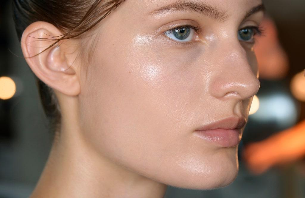 Vilken ansiktspeeling är bäst i test 2020 mot torr hud?