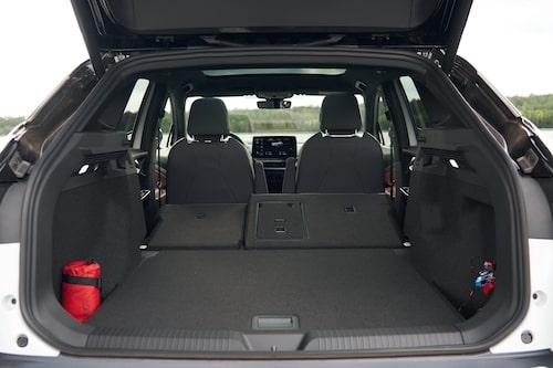 Volkswagen ID.4 har inget förvaringsutrymme under huven, i stället finns det ett fack under lastgolvet.