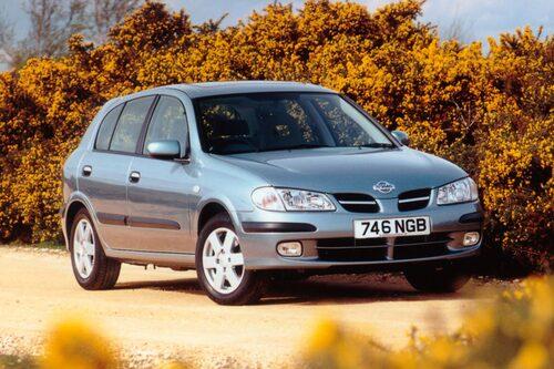 Nissans golfutmanare Almera kom i ny skepnad 2000.