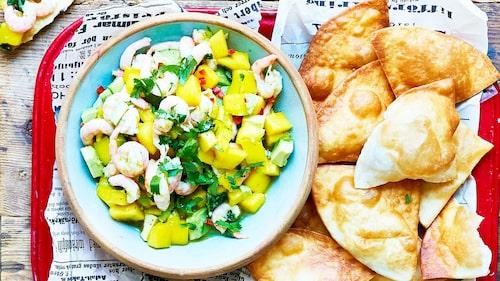 Recept på het räksalsa med mango, koriander  och lime.