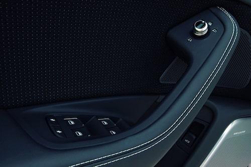Materialvalet och utformningen på interiören är som vanligt alldeles utmärkt när det gäller Audi. Bra känsla i alla knappar och vred.