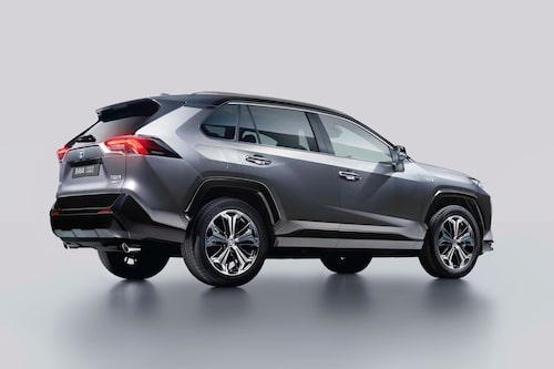 Kommande Toyota RAV4 Plug-In Hybrid innebär en bonus på 39 294 kronor för köparen. Men kanske det blir 0 kronor inom kort.