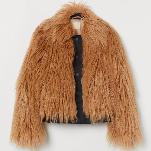 Långhårig fuskpäls från H&M. Klicka på bilden och kom direkt till jackan.
