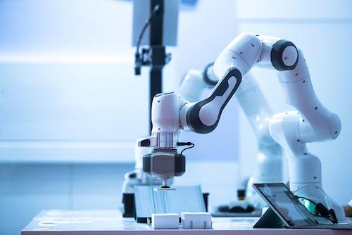 Kan robotar skapa hållbart mode i framtiden?