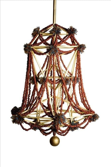 Egenhändigt tillverkade takkronor förekom flitigt i svenska allmogehem under 1800-talet, och säkerligen även tidigare. Kronorna kan beskrivas som vackra mobiler som när de hängde över matbordet rörde sig av värmen som steg mot taket. Takkronornas utformning var mycket lokalt präglad, och baserade sig på materialtillgången. I Dalarna bestod de bland annat av halm, garn och björktickor som sågades i tunna skivor och täljdes i hjärt- och stjärnformer. Många av Härjedalskronorna var tillverkade av vass, där stråna träddes till romber som pryddes med tjocka garntofsar. På Gotland förekom takkronor tillverkade av svinborst som böjdes varpå ändarna fogades samman med bivax som sedan lindades om med färgad ull.