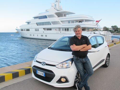 Jonas passade också på att skaffa ny båt när han ändå var på Sardinien.