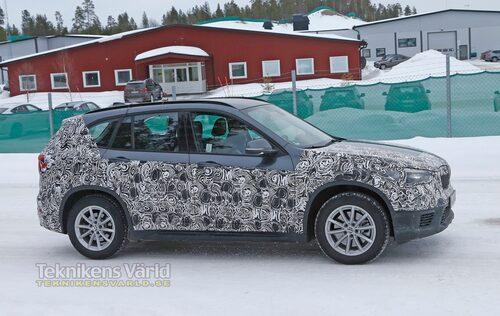 Nya BMW X1 utanför Arjeplog i Sverige.
