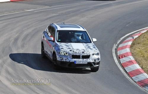 Nya BMW X1 på Nürburgring i Tyskland.