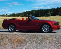Provkörning av Ford Mustang V6 Cabriolet