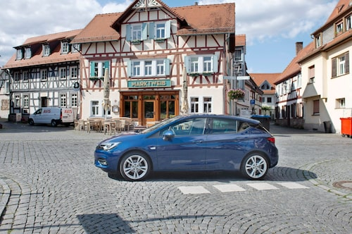 Astra är en av golfklassens längsta bilar. Den är till exempel elva centimeter längre än Golf.