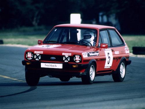 1982 Ford Fiesta XR2 tävlar i Ladies Cup