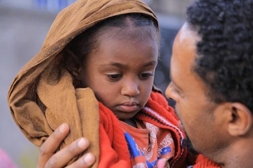 Grunden för en god uppfostran är det lyhörda föräldraskapet, anser barnpsykolog Malin Bergström.