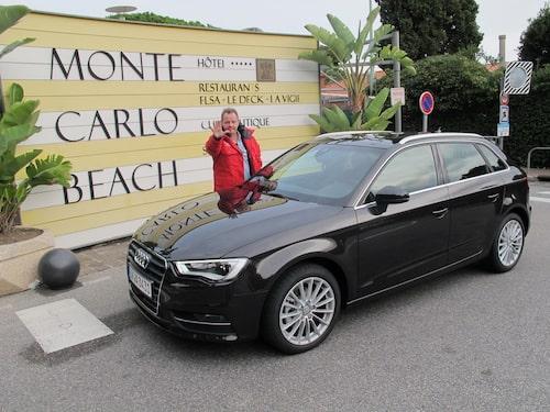 Som vanligt när PeO är i Monte Carlo satsade han allt på svart. Han ville dock inte låta sig fotograferas.