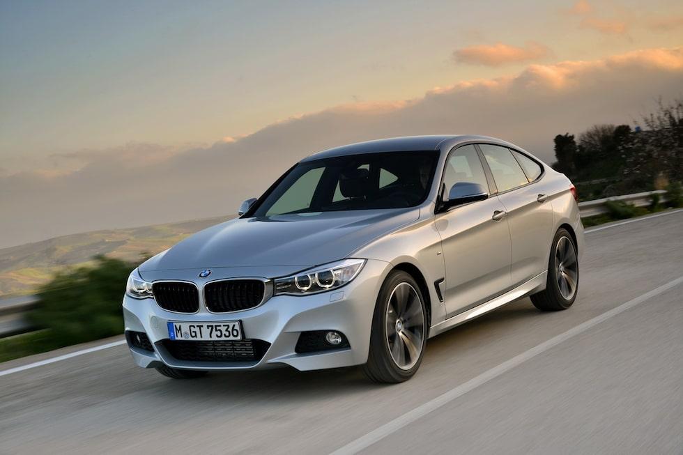 """GT-modellen känns även igen på de små luftutsläppen bakom de främre hjulhusen. BMW kallar dem """"Air Breathers"""" och de är inte bara kosmetiska utan fyller faktiskt en funktion då de minskar turbulensen i hjulhusen och därmed minskar luftmotståndet."""