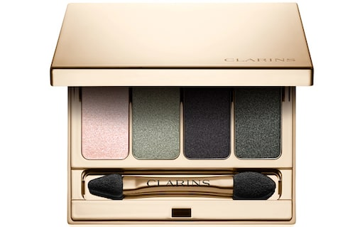 Skuggpalett 4-colour eyeshadow palette i nyans 06 Forest, 475 kr, Clarins.