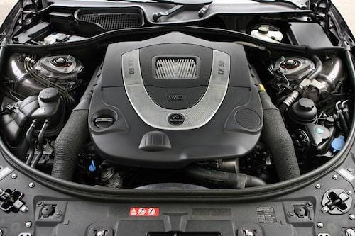 Motorn har finputsat – både optiskt och digitalt. Effekten har höjts med 47 hästkrafter.