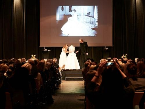 Martina Bonnier och Pär Engsheden på scen. Martina visade upp sin egen bröllopsklänning, som är designadav just Pär, för alla gäster på plats. Pär Engsheden är även skaparen bakom kronprinsessan Victorias brudklänning.