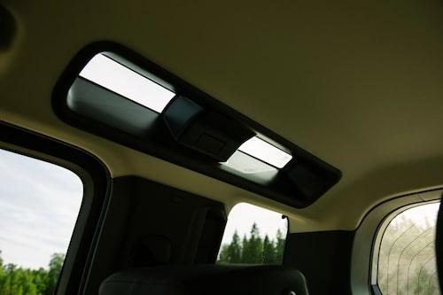"""Takfönstren """"Alpine light"""" är ett klassiskt Land Rover-kännetecken."""