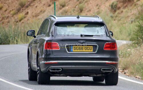 Vänj dig vid denna sida av bilen, för även om det inte är en W12-motor under huven lär Bentayga i laddhybridutförande bli betydligt snabbare än genomsnittsbilen.