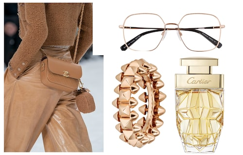 Glasögon från Daisy Grace x Specsavers, ring och parfym från Cartier.