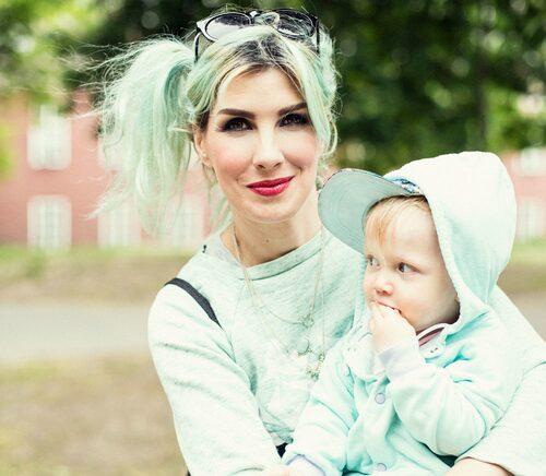 Kitty Jutbring med yngsta barnet Kimmi-Kid. Foto: Hannah Hedin