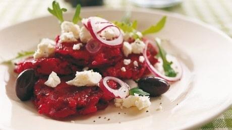 Recept på vegetariska rödbetsplättar med fetaost.