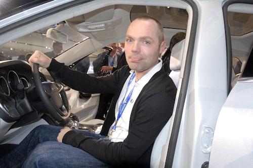 David Lilja imponerades av 9-4X och bilens rymliga inre.