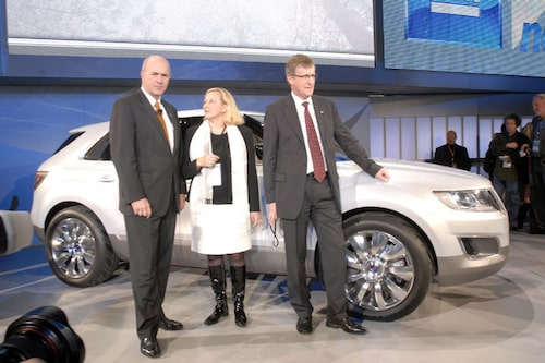 Handelsminister Ewa Björling i mitten.